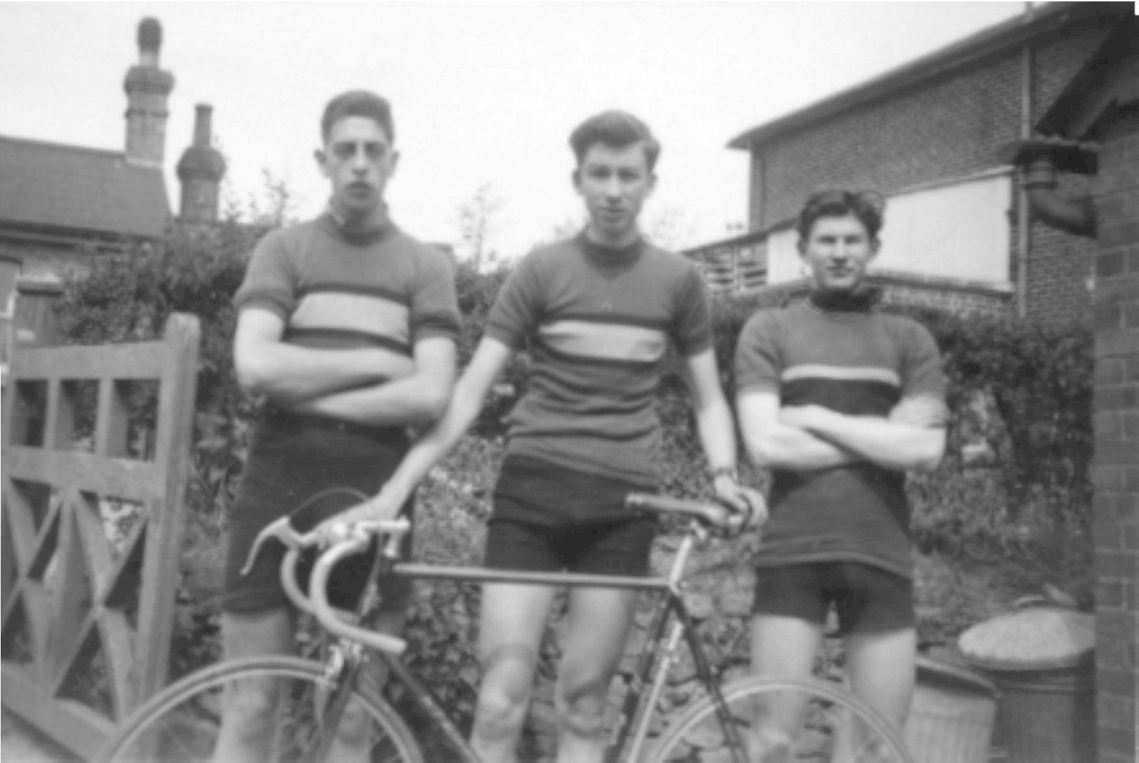 The Northwood Wheelers Junior Team. Roger Bingham is on the left; Len Chapman on the right.